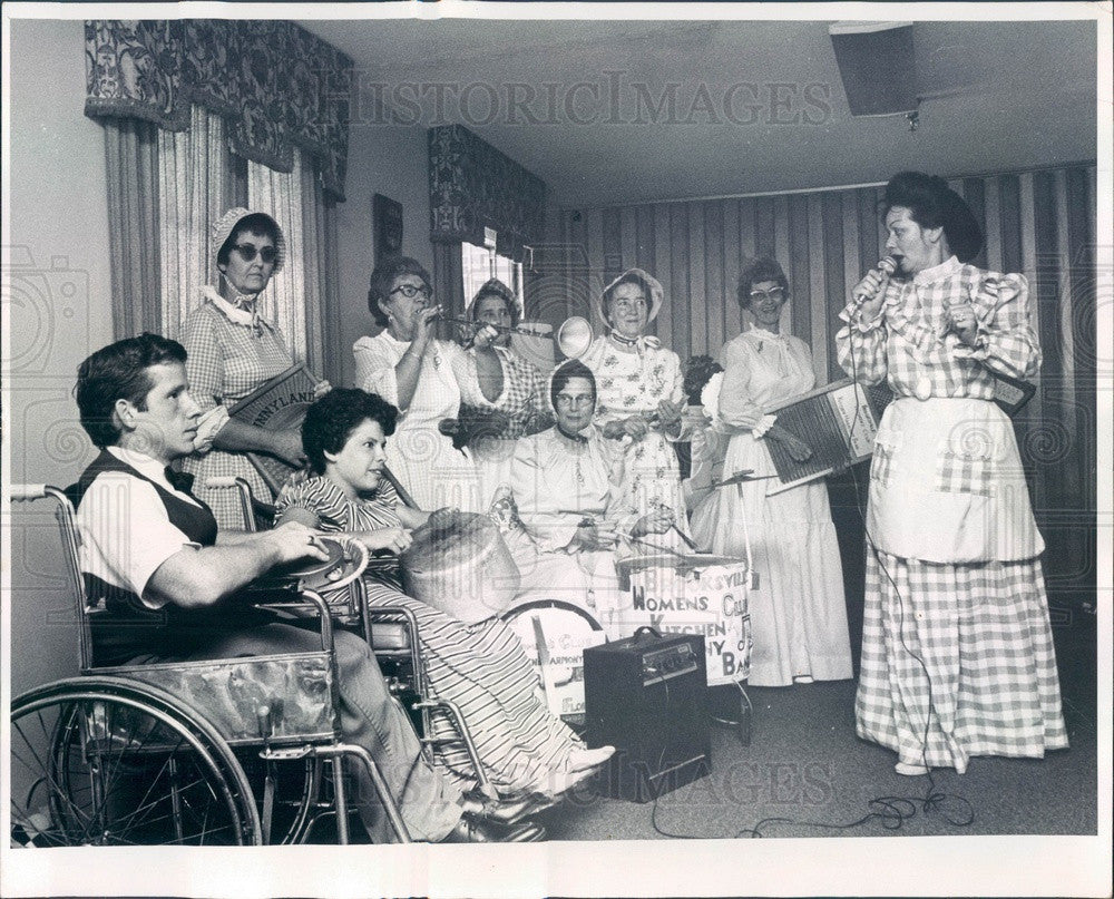 1975 Brooksville, Florida Brooksville Kitchen Harmony Band Press Photo - Historic Images