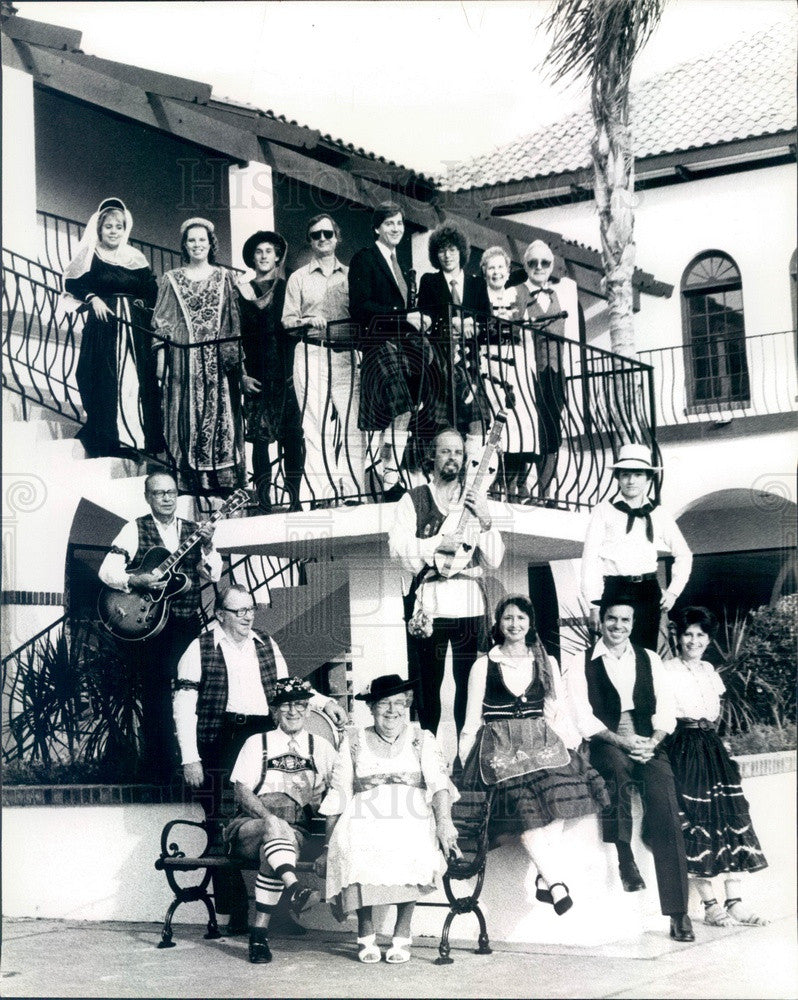 1982 Palm Harbor, FL Fountains Shopping Center Performers Press Photo - Historic Images