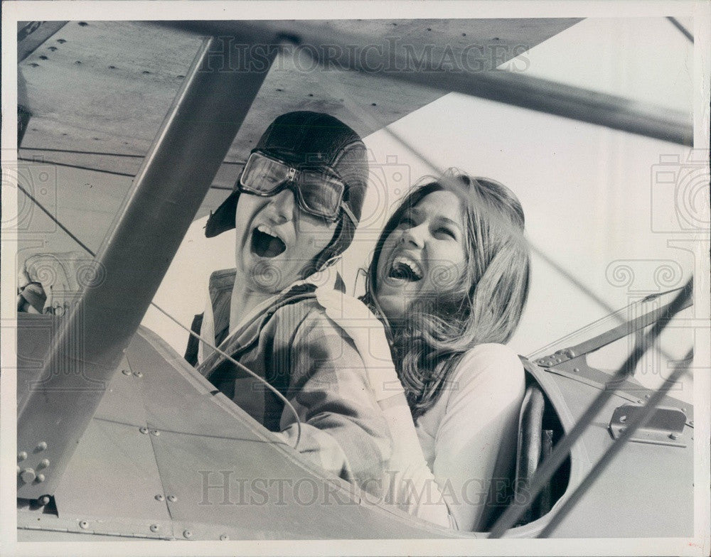 1976 TV Show The Waltons Actors Richard Thomas & Lee Purcell Press Photo - Historic Images