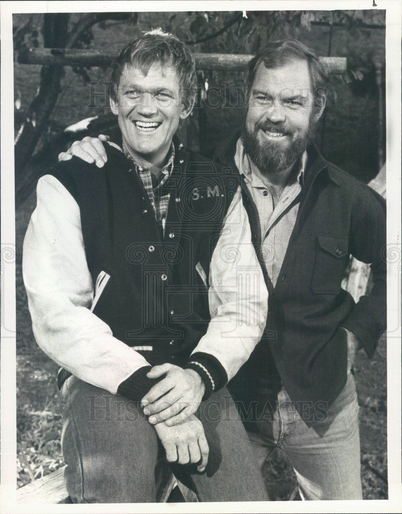 1981 Hollywood Actors Merlin Olsen & Bo Svenson Press Photo - Historic Images