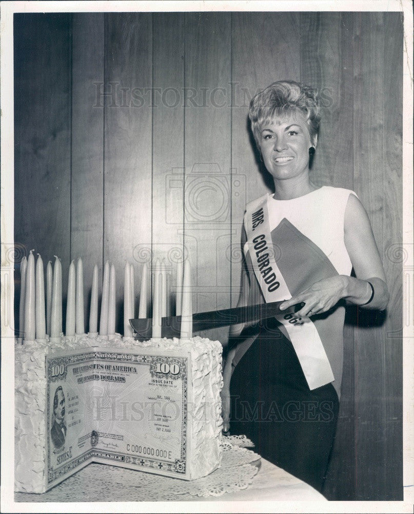 1966 Denver, Colorado Mrs America Contestant Mrs Anthony Mendez Press Photo - Historic Images