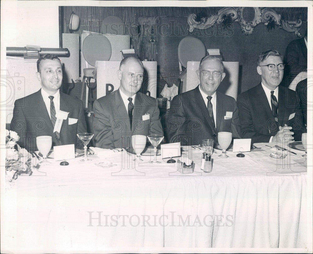 1963 Chicago, IL Aluminum Industries Sales VP J Renfrew, GD Aravosis Press Photo - Historic Images