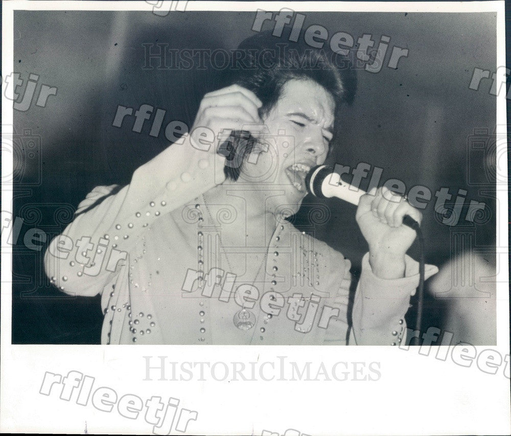 1977 Chicago, IL Elvis Presley Impersonator Rick Saucedo Press Photo adr279 - Historic Images