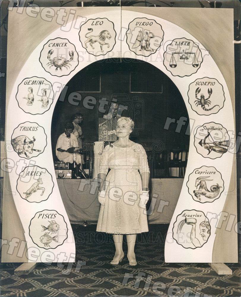 1961 St. Petersburg, Florida Anna Mae Shaw of VFW Auxiliary Press Photo adr567 - Historic Images