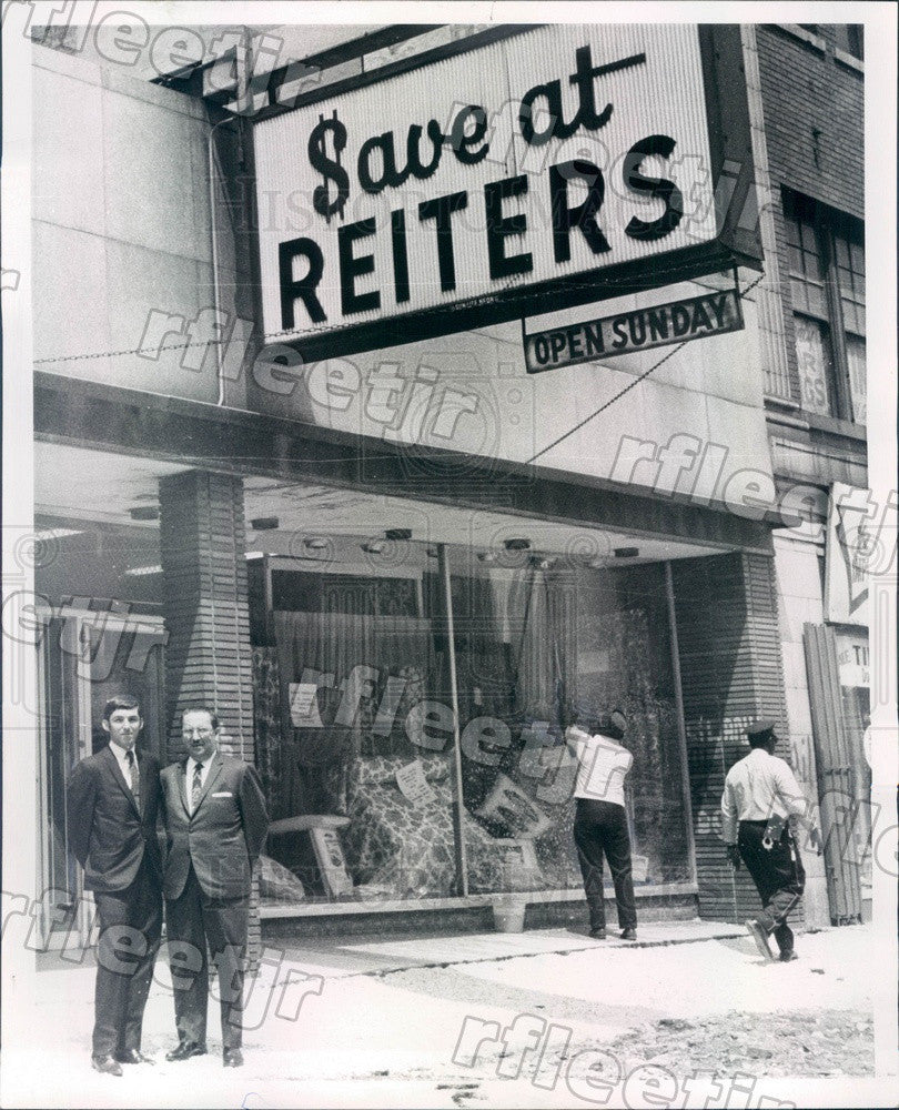 1968 Chicago, IL Reiters Store Owners Harry & David Reiter Press Photo adr83 - Historic Images
