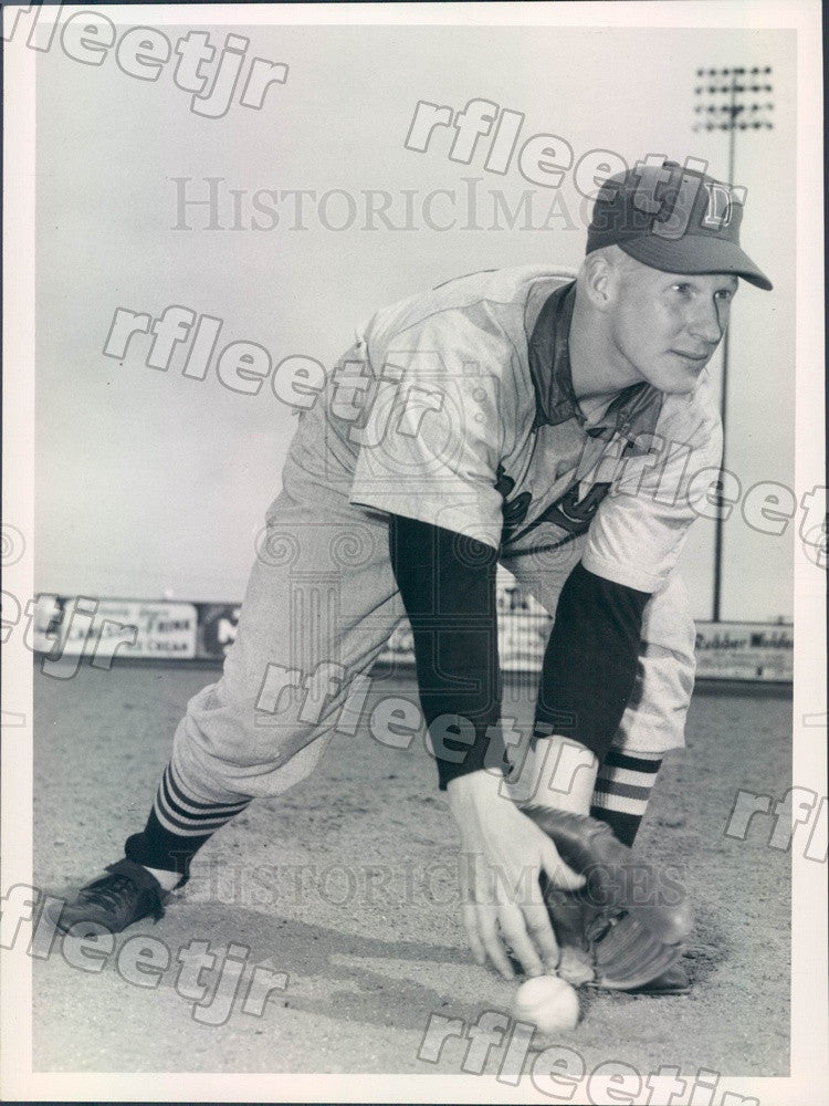 1952 Denver Bears Baseball Player Whitey Ries Press Photo ads289 - Historic Images