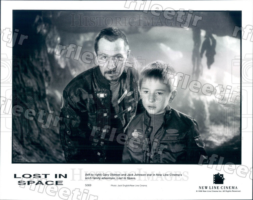 1998 Actors Gary Oldman & Jack Johnson in Film Lost In Space Press Photo adu39 - Historic Images