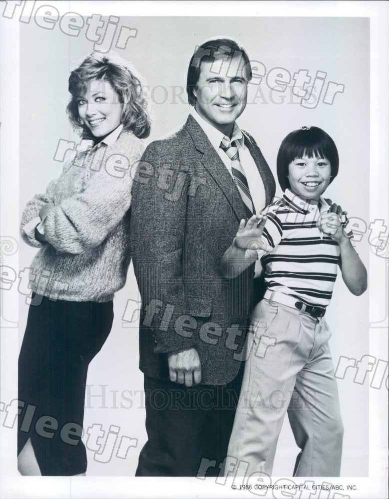 1986 Actors Nancy Stafford, Gil Gerard, Ernie Reyes Jr Press Photo adu411 - Historic Images