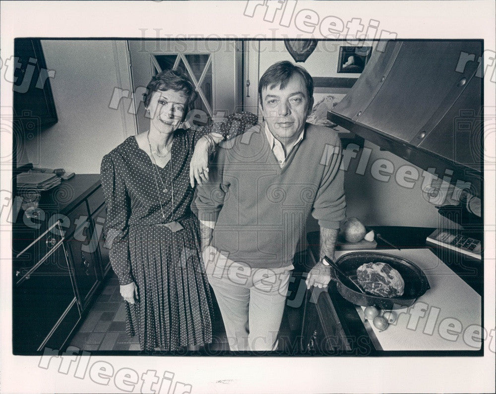 1980 Chicago, IL Cookbook Authors John Leckel & Agnes Feeney Press Photo adv213 - Historic Images