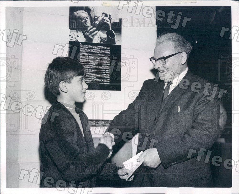 1966 Dutch Artist Henk Bos & Kim Cohn of Gary, IN Press Photo adv343 - Historic Images