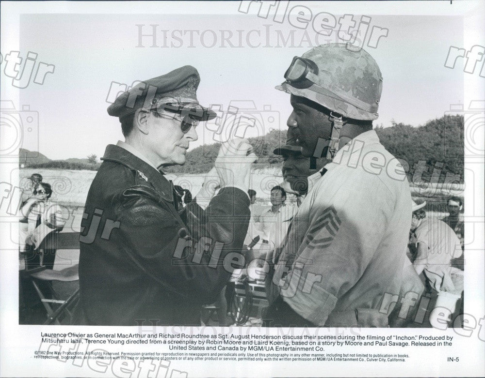 1982 Oscar Winning Actor Laurence Olivier & Richard Roundtree Press Photo adv457 - Historic Images