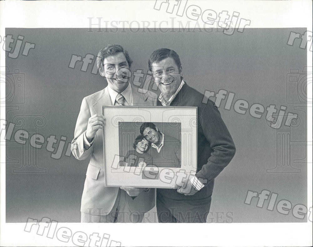 1975 Actor Jerry Lewis & Al Golin, Cooper & Golin President Press Photo adv511 - Historic Images
