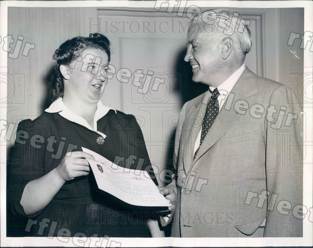 1945 Chicago Sun Publisher Marshall Field & Mrs. Frances Dyke Press Photo adv541 - Historic Images