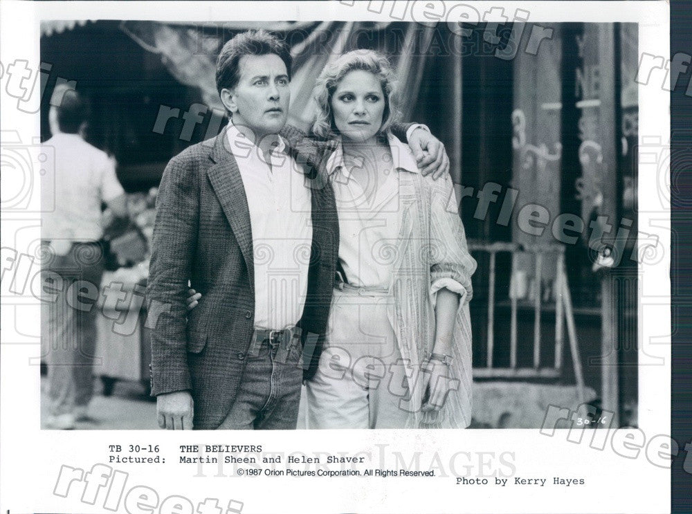 1987 Actors Martin Sheen & Helen Shaver in Film The Believers Press Photo adw149 - Historic Images