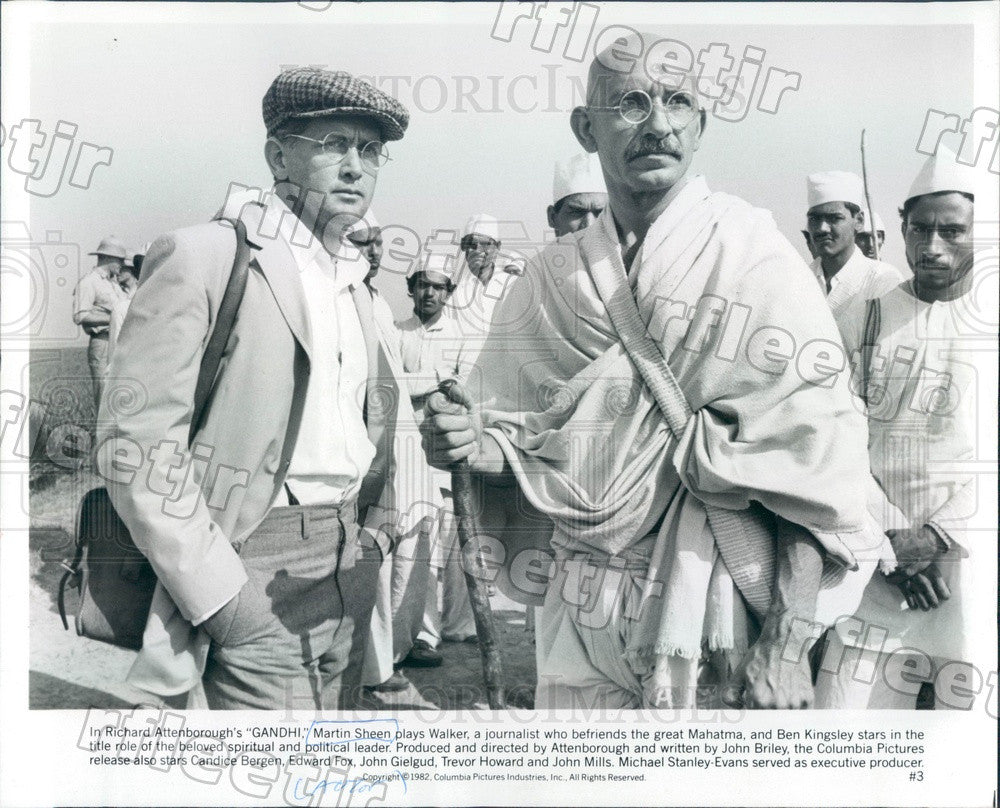 1982 Actors Ben Kingsley & Martin Sheen in Film Gandhi Press Photo adw157 - Historic Images