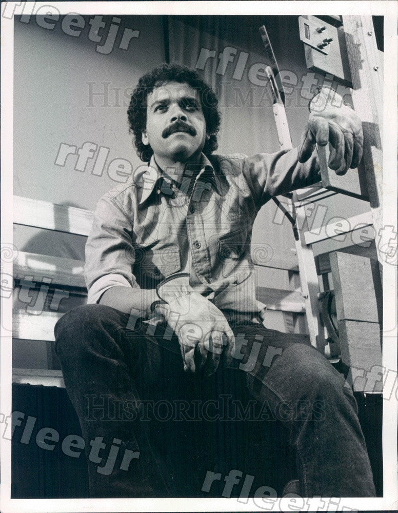 1974 Actor Jose Perez on TV Show Aces Up Press Photo adw311 - Historic Images