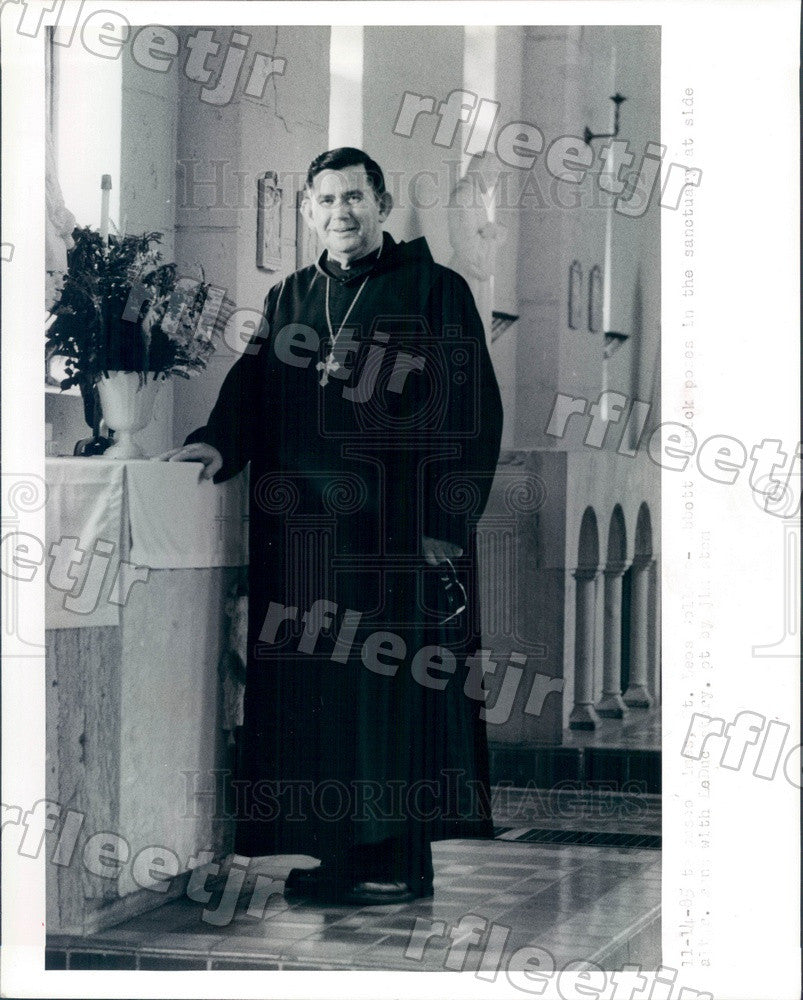 1985 Pasco County, FL Abbot Patrick Shelton of Saint Leo Abbey Press Photo adw51 - Historic Images