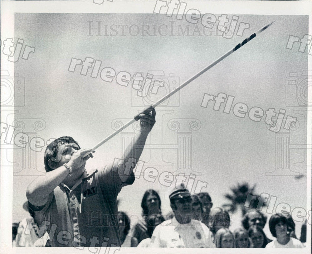 1976 Tampa, FL The Blow Gun Man Pat Shawn, Guinness Record Press Photo adw513 - Historic Images