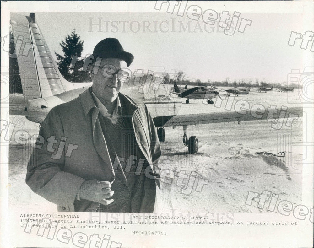 1977 Lincolnshire, IL Chicagoland Airport Owner Arthur Shelter Press Photo adw77 - Historic Images