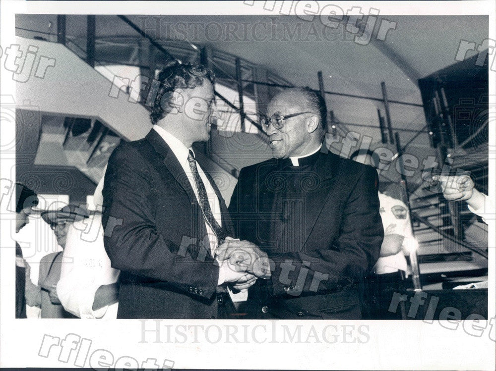 1991 Chicago, IL Rev George Clements of Holy Angels Church Press Photo adw831 - Historic Images