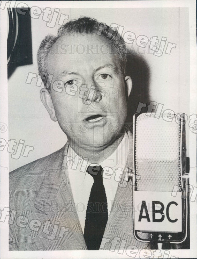 1953 News Commentator Virgil Pinkley, War Correspondent Press Photo adw851 - Historic Images
