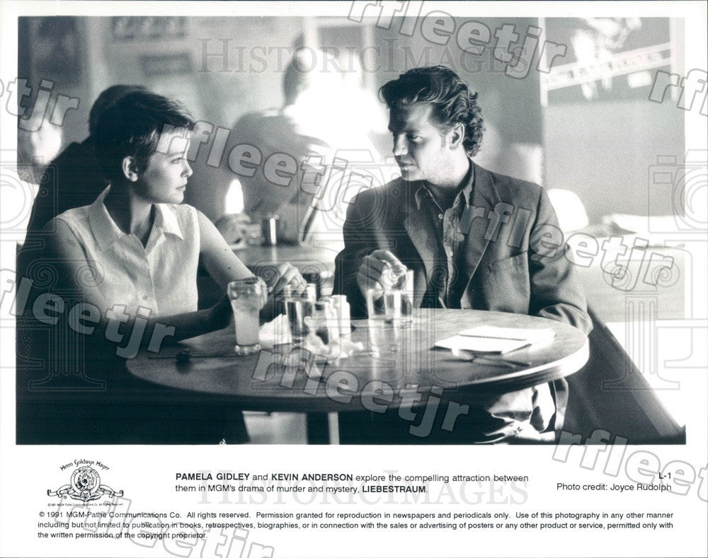 1991 Actors Pamela Gidley, Kevin Anderson in Film Liebestraum Press Photo adx133 - Historic Images