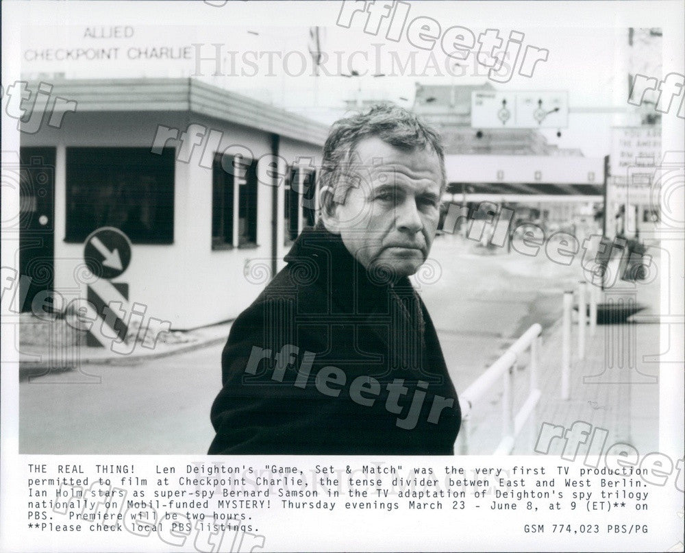 Undated Tony Winning British Actor Ian Holm on PBS Mystery! Press Photo adx259 - Historic Images