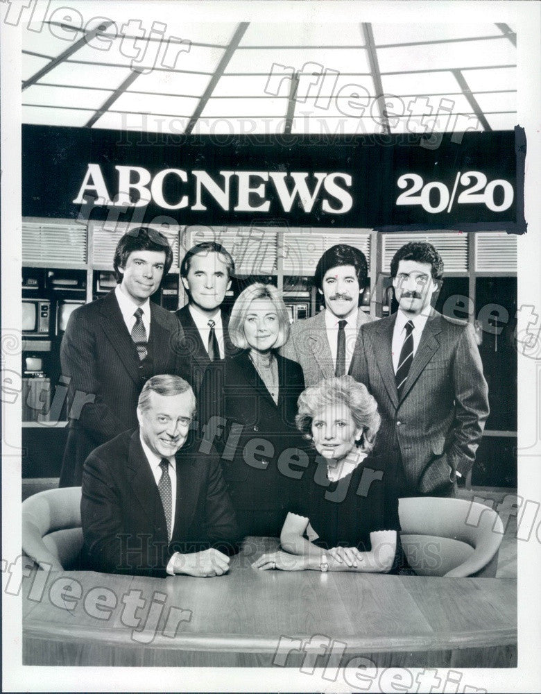 1983 TV Show 20/20 Correspondents Hugh Downs, Barbara Walters Press Photo adx663 - Historic Images