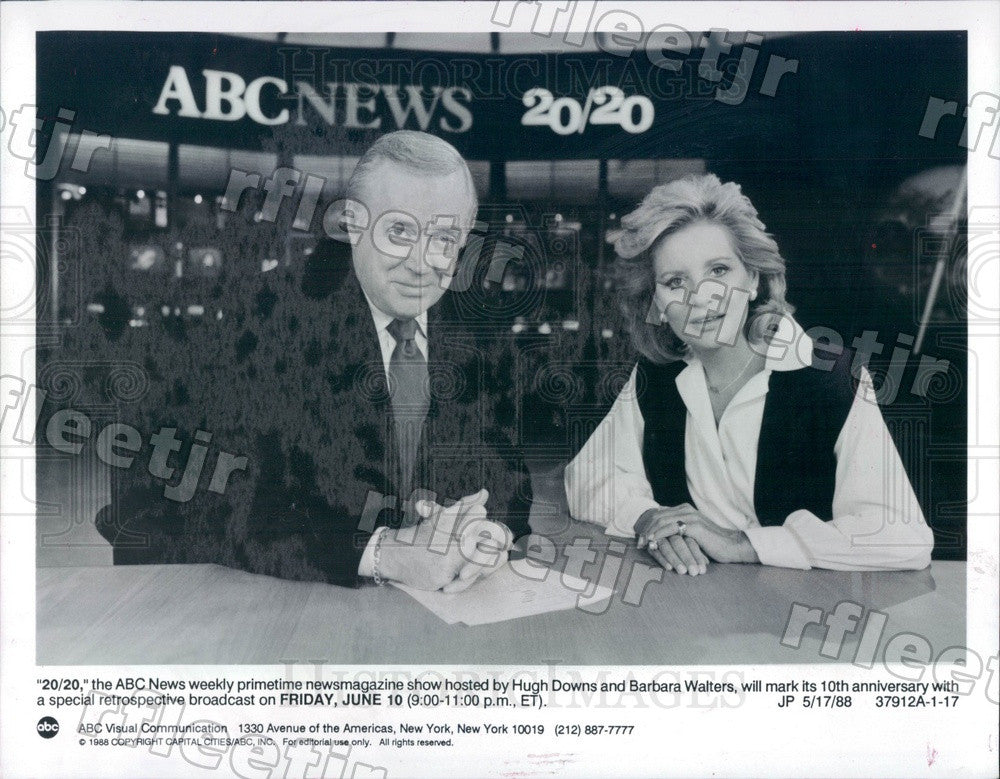 1988 Journalists Hugh Downs, Barbara Walters on TV Show 20/20 Press Photo adx671 - Historic Images