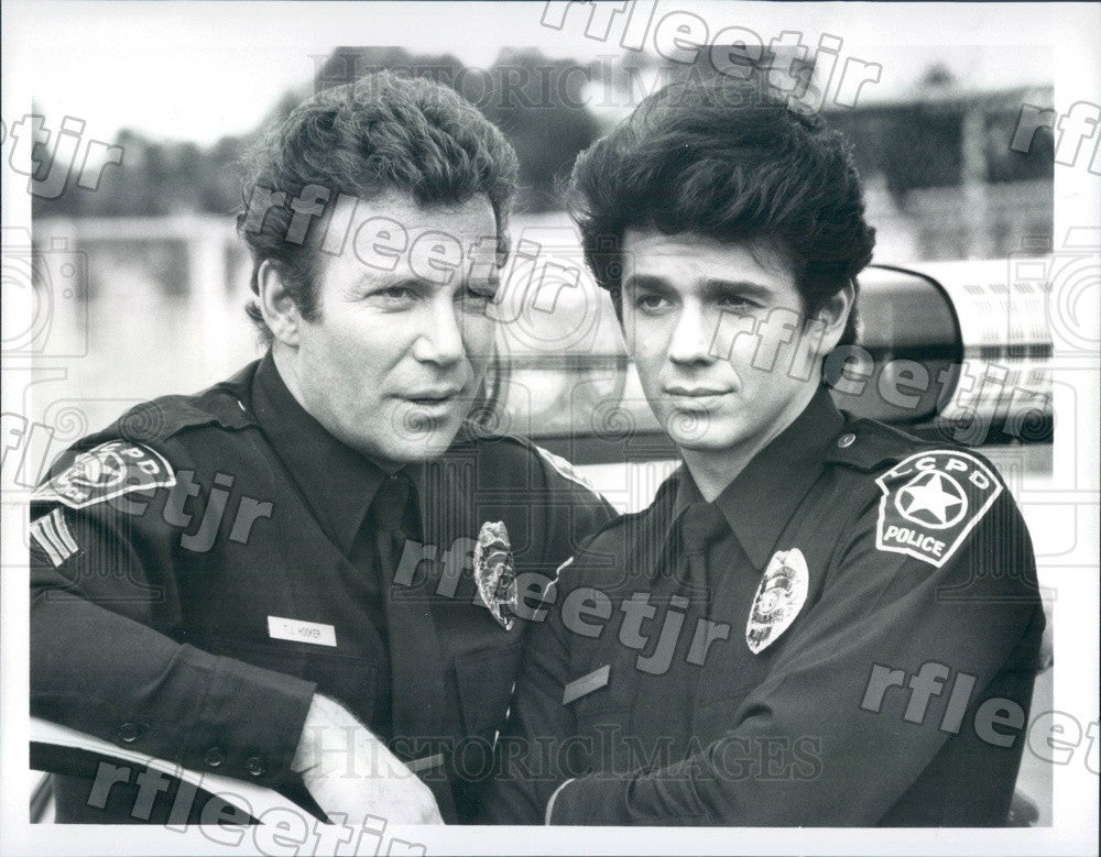 1982 Emmy Winning Actor William Shatner & Adrian Zmed Press Photo adx769 - Historic Images