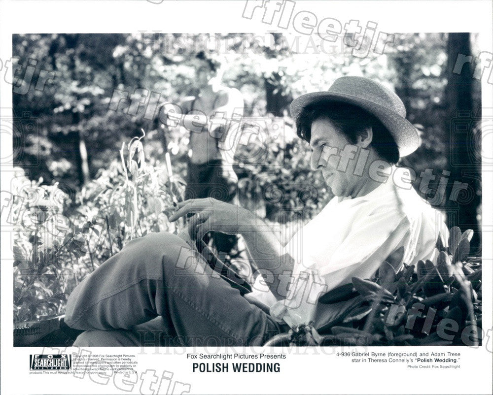 1998 Actors Gabriel Byrne & Adam Trese in Film Polish Wedding Press Photo adx897 - Historic Images