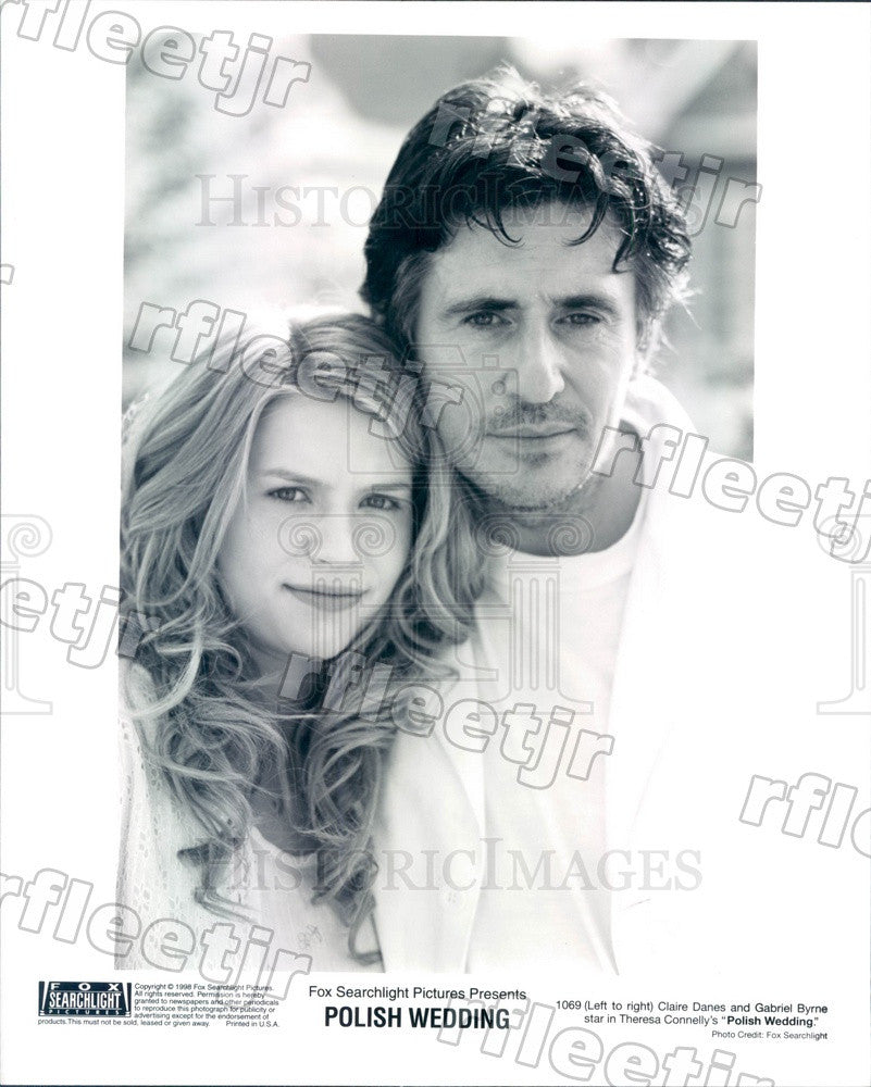 1998 Actors Gabriel Byrne & Claire Danes in Polish Wedding Press Photo adx899 - Historic Images