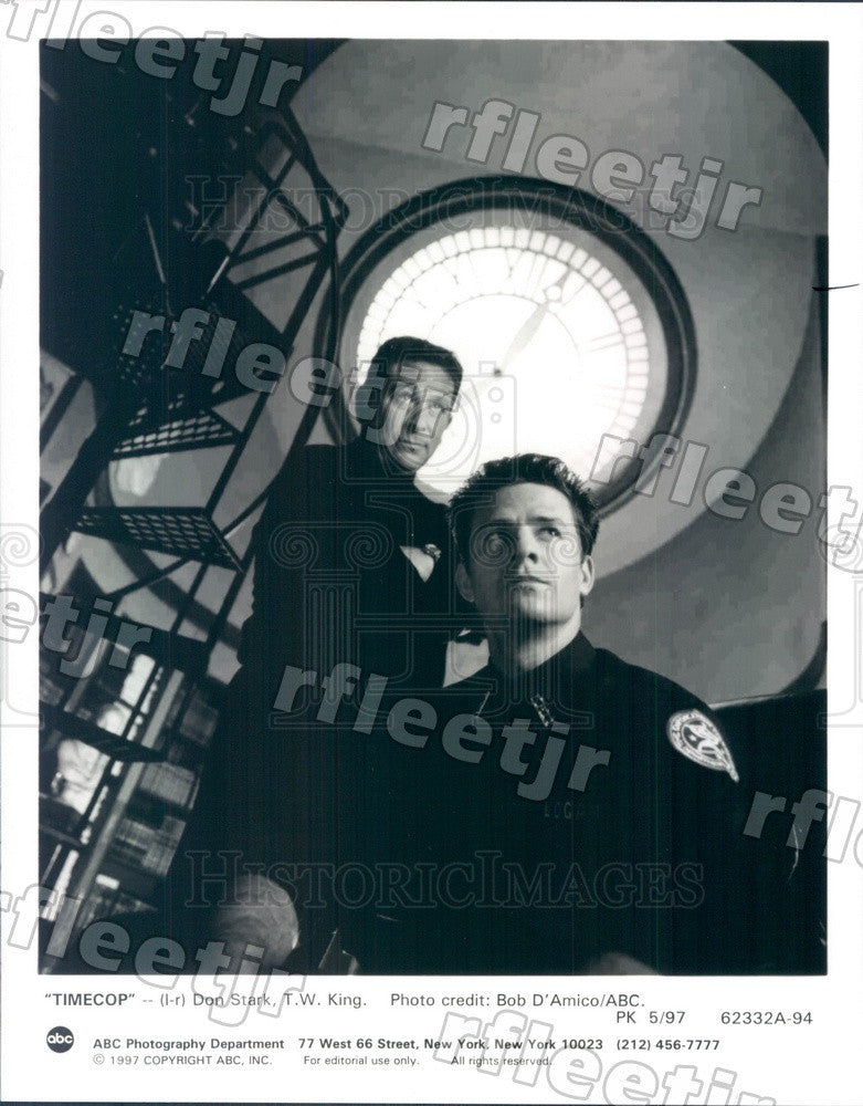 1997 Actors Don Stark & TW King on TV Show Timecop Press Photo adx927 - Historic Images