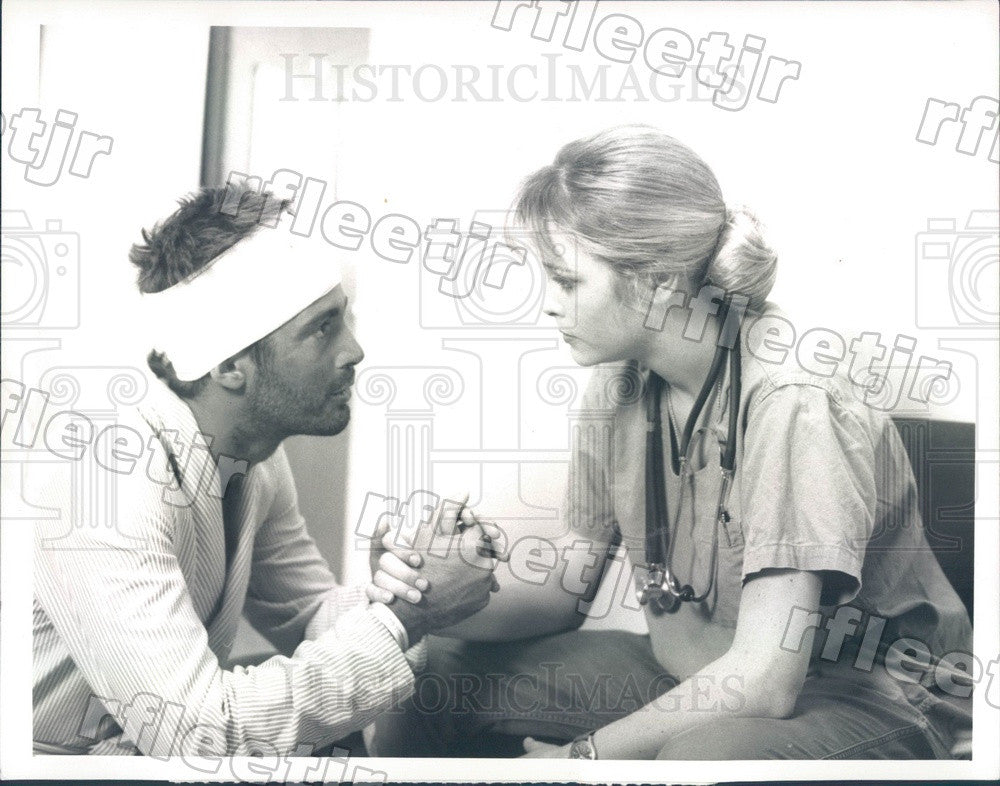 1988 Actors Stephen Caffrey & Pamela Gidley on Tour of Duty Press Photo adx971 - Historic Images