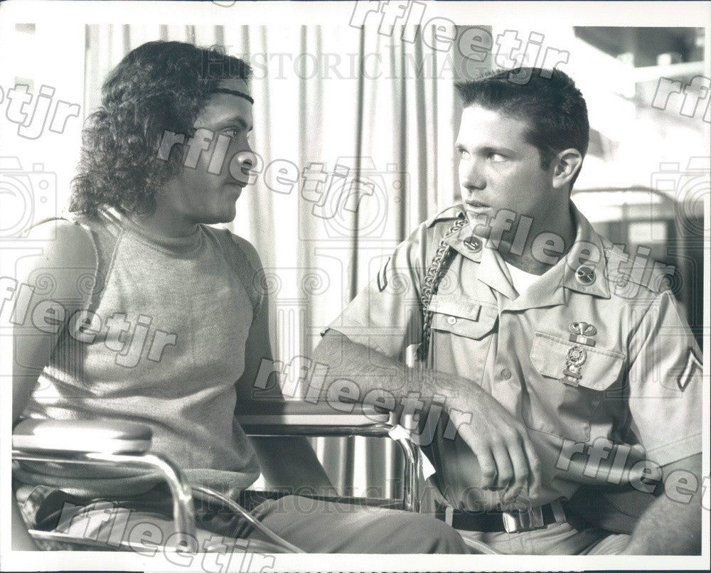 1989 Actors Tony Becker & Michael Carmine on Tour of Duty Press Photo adx989 - Historic Images