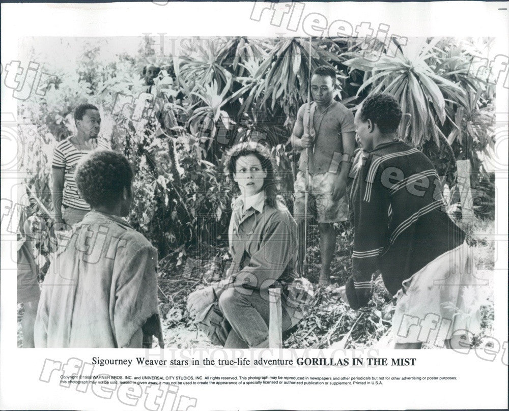 1988 Actress Sigourney Weaver in Film Gorillas In The Mist Press Photo ady1007 - Historic Images