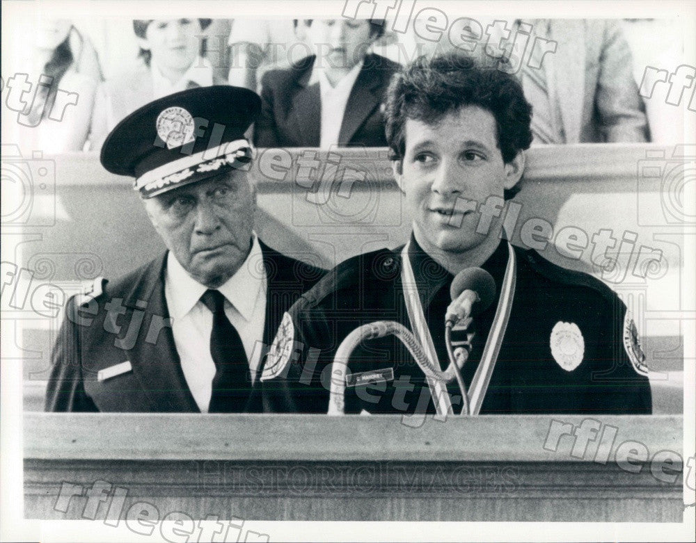 1986 Actors Steve Guttenberg & George Gaynes in Film Press Photo ady109 - Historic Images