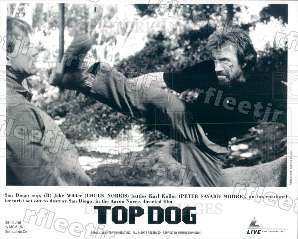 1995 Actors Chuck Norris & Peter Savard Moore in Film Top Dog Press Photo ady283 - Historic Images
