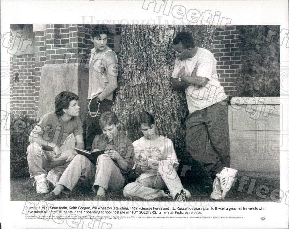 1991 Actors Sean Astin/Keith Coogan/Wil Wheaton/George Perez Press Photo ady373 - Historic Images