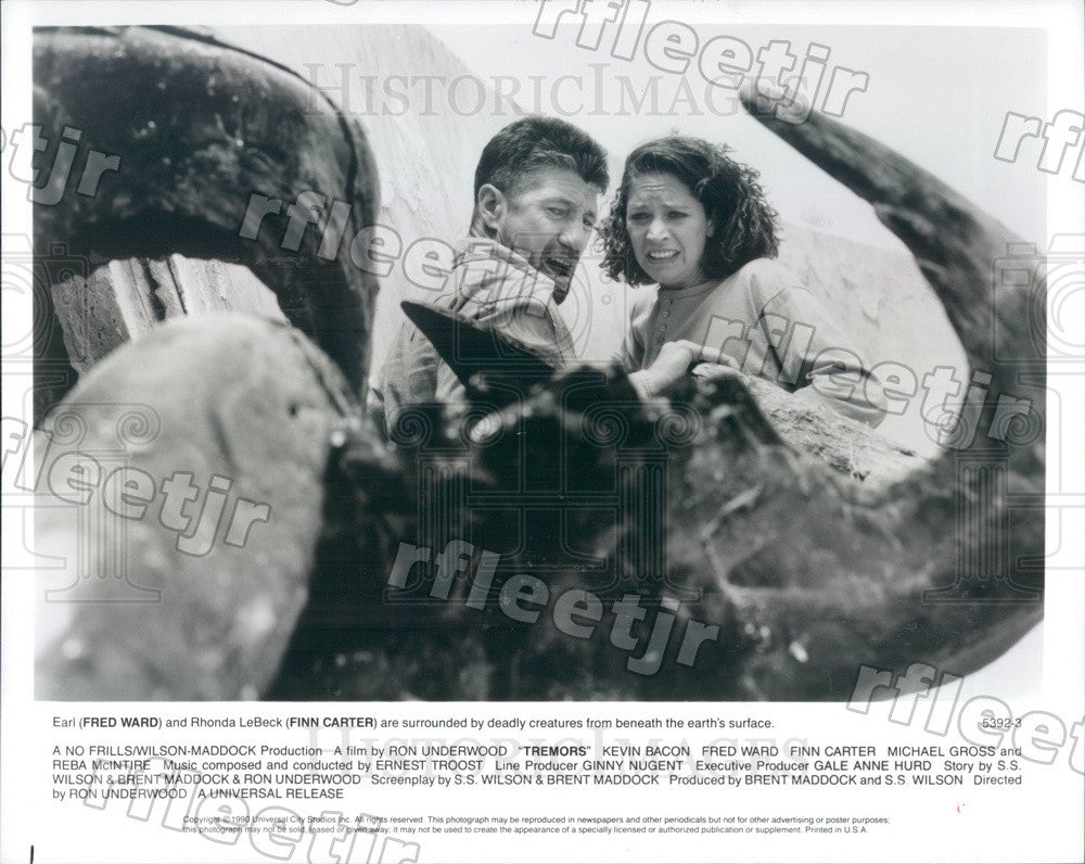 1990 Actors Fred Ward & Finn Carter in Film Tremors Press Photo ady603 - Historic Images