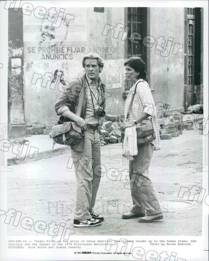 1983 Actors Nick Nolte & Joanna Cassidy in Film Under Fire Press Photo ady767 - Historic Images