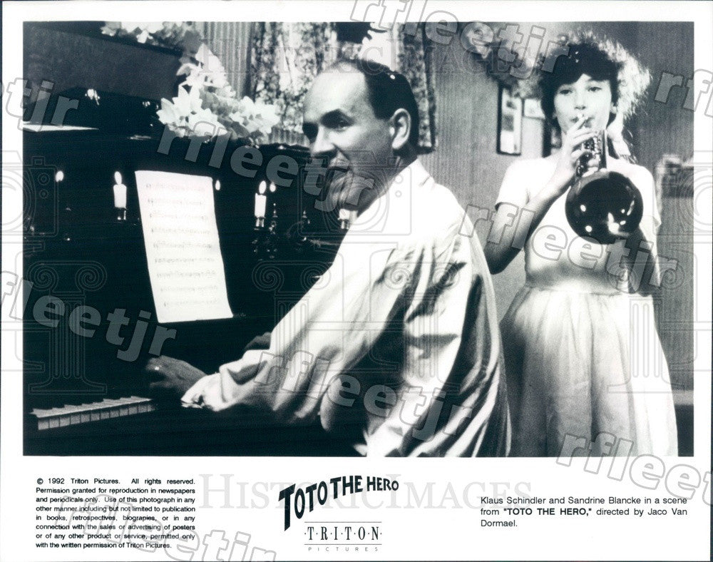 1992 Actors Klaus Schindler & Sandrine Blancke in Film Toto Press Photo ady821 - Historic Images