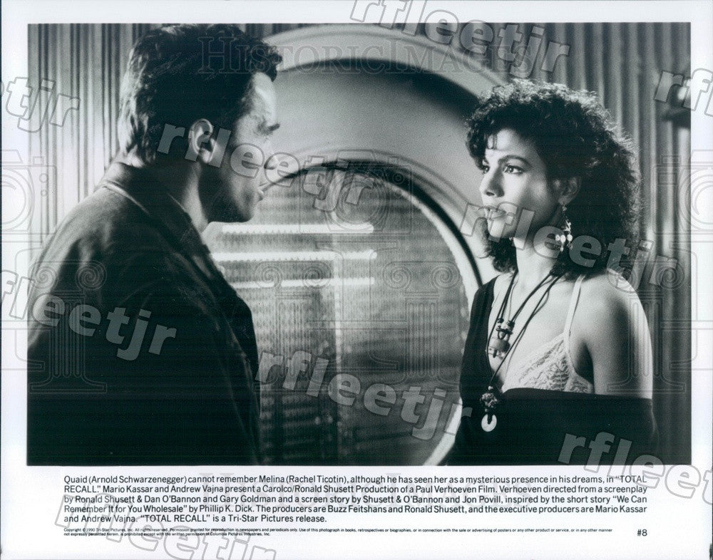 1990 Actors Arnold Schwarzenegger & Rachel Ticotin in Film Press Photo adz23 - Historic Images