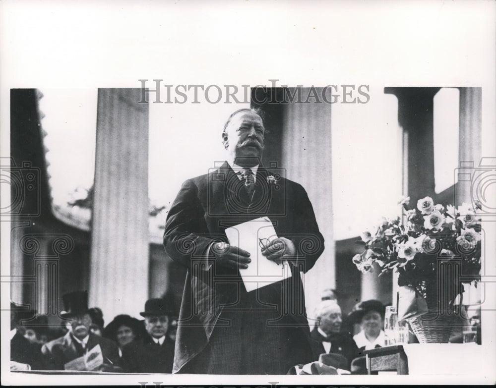 1917, William H. Taft speaking at McKinley Memorial in Ohio. - Historic Images