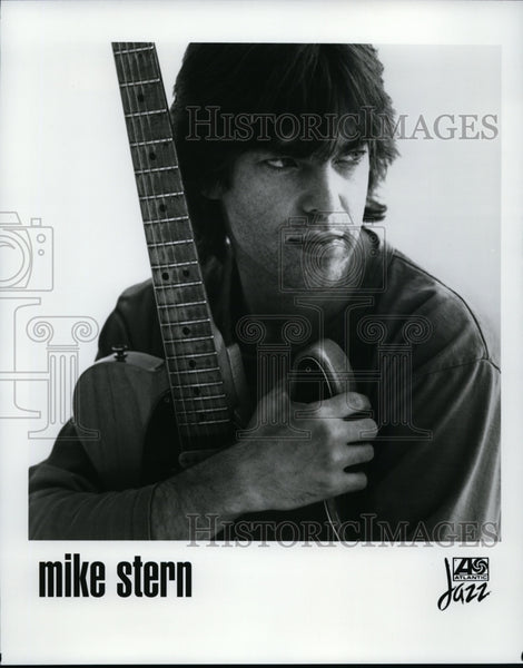 1992, Mike Stern is an American jazz guitarist - cvp86445 - Historic Images