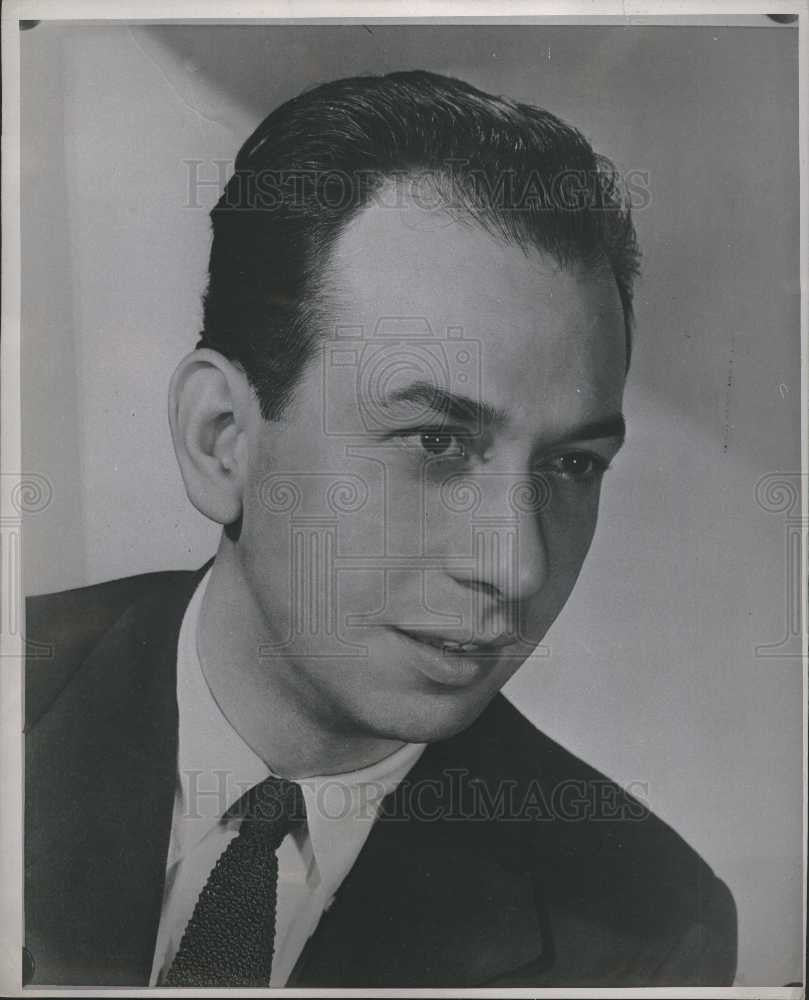 1947 Press Photo Jose Ferrer Oscar winning actor Cyrano - Historic Images
