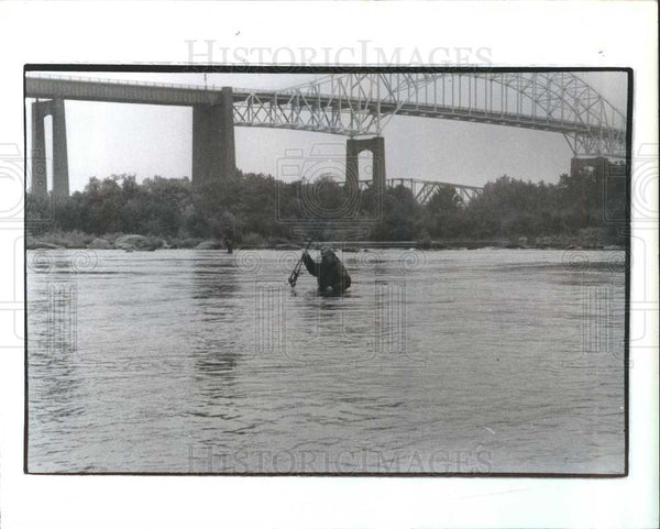 1992 Press Photo Madsen of Grayling Fishing - Historic Images