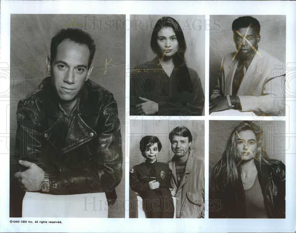 Historic Images 1990 Press Photo Miguel Ferrer Broken Badges