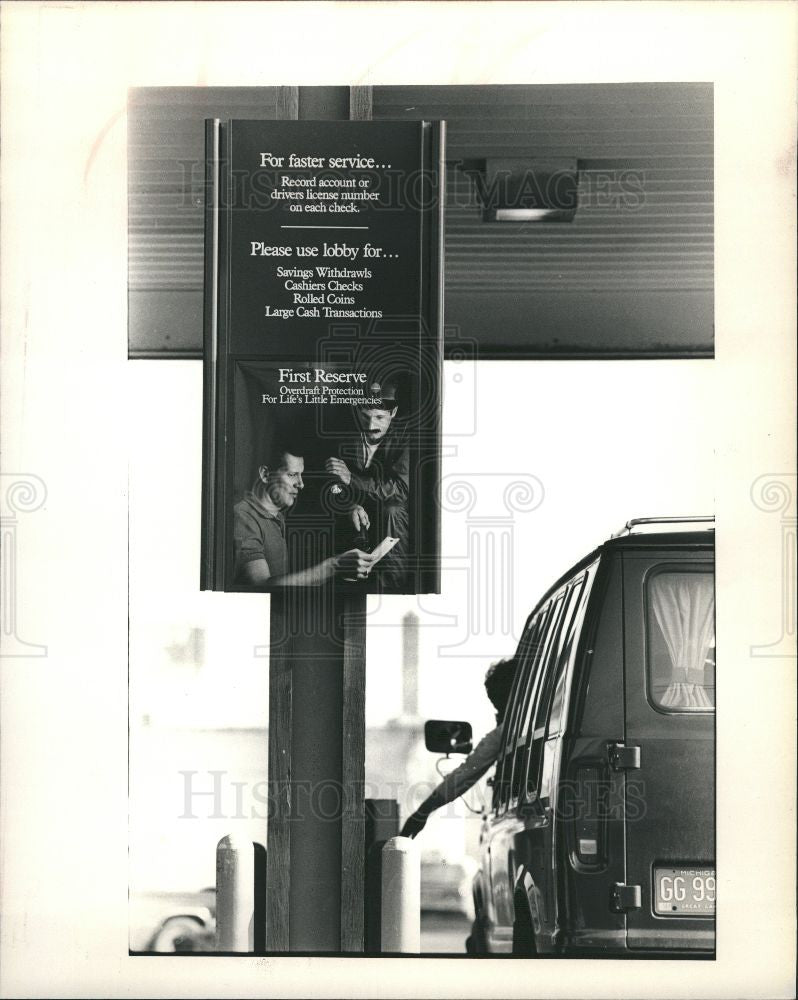 1986 Press Photo First of America bank-Detroit branch - Historic Images
