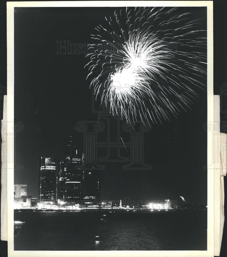 Press Photo International freedom festival firewor - Historic Images